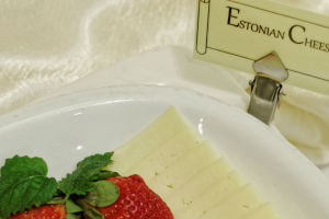 My_City_Hotel_in_Tallinn_restaurant_rich_and_healthy_breakfast