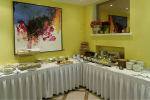 Rich_and_healthy_breakfast_at_My_City_Hotel_restaurant