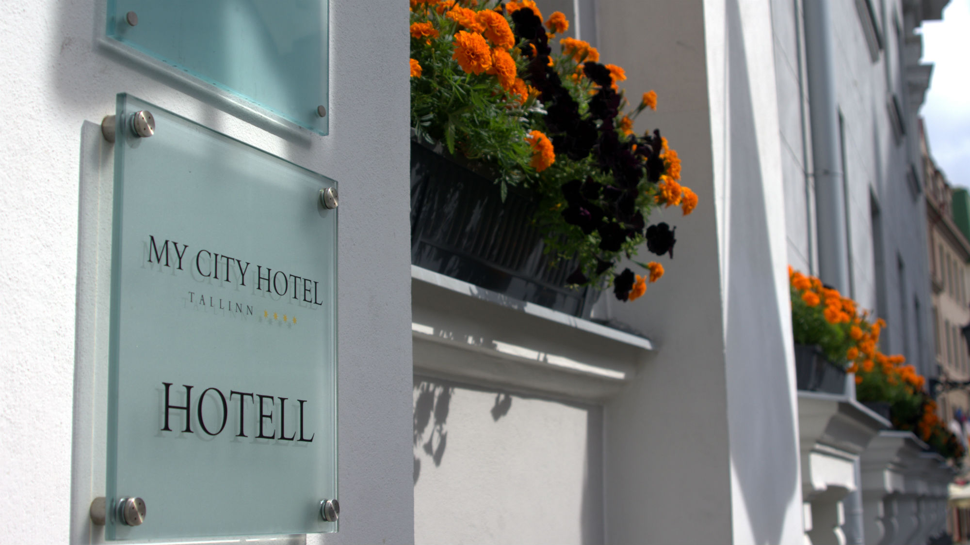 2000X1125_Hotel_MyCity_in_Tallinn_facade1