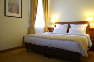 standard-double-bed