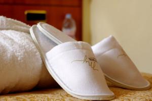 bathrobe_slippers