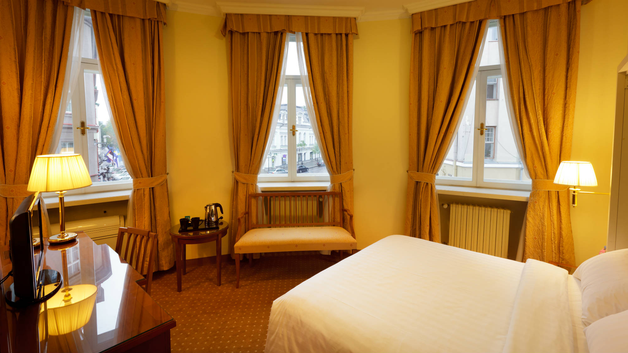 Superior Double Room, corner room